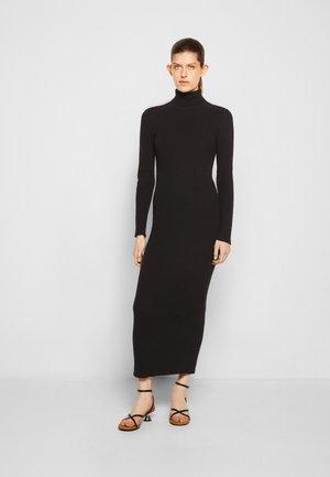 CHELSEA TURTLE NECK MIDI DRESS - Pletené šaty - black