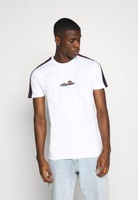 Ellesse - CARCANO - T-shirt med print - white - 0