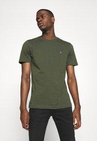 Calvin Klein - LOGO - Basic T-shirt - green - 0