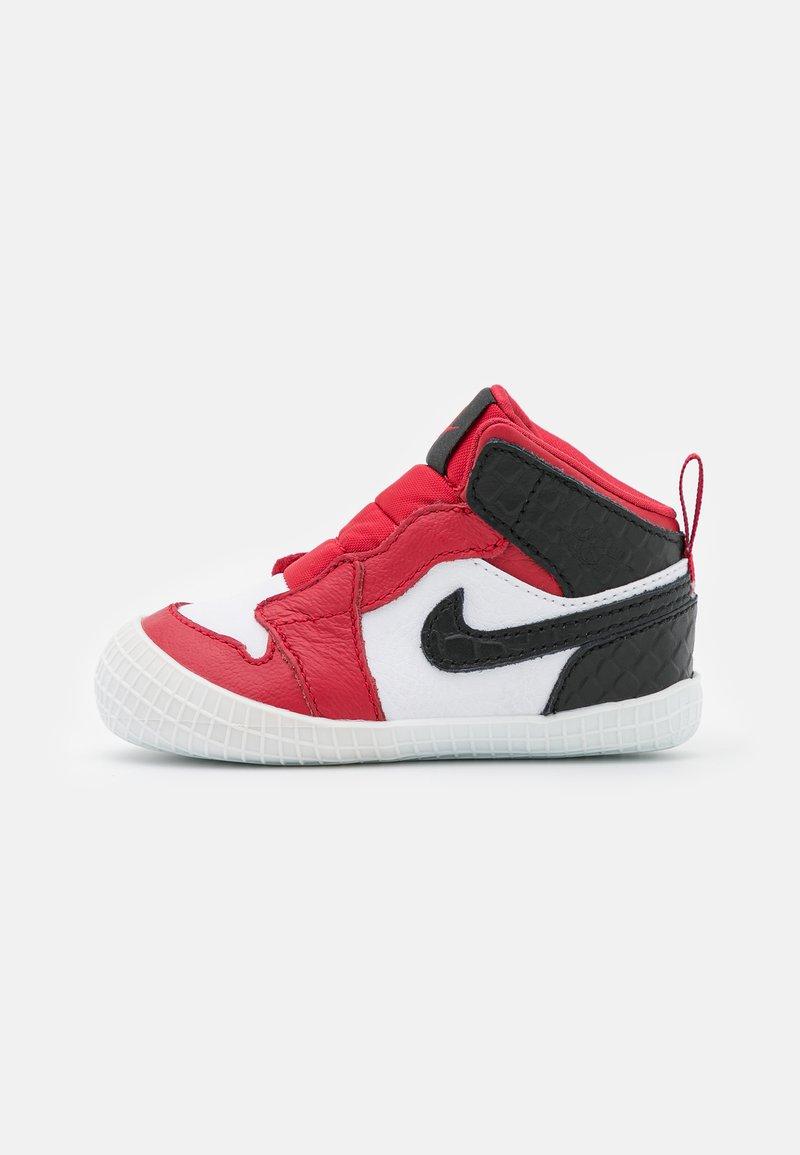 Jordan - 1 CRIB UNISEX - Basketball shoes - university red/black/white
