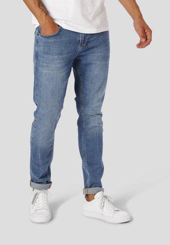 DAVID STRETCH 3001 - Slim fit jeans - mid blue denim
