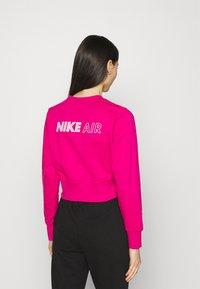 Nike Sportswear - AIR CREW  - Sweatshirt - fireberry/white - 2