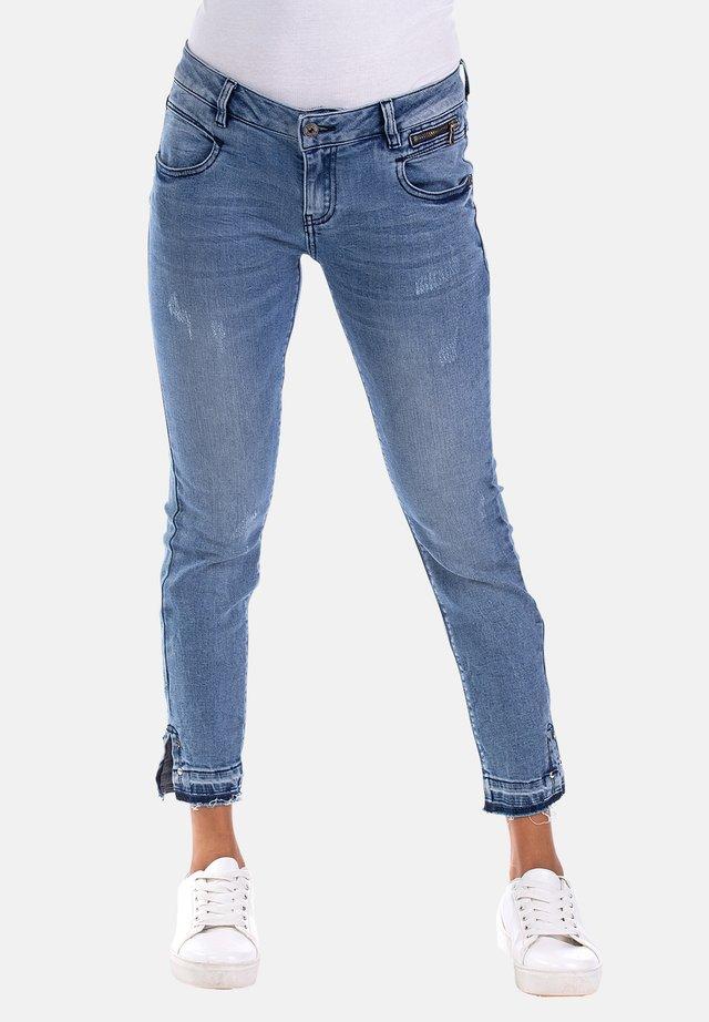 VIVIEN MIT DEKORATIVEM SAUM - Slim fit jeans - blau