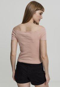 Urban Classics - Print T-shirt - lightrose - 1