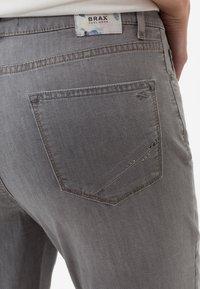 BRAX - STYLE CARO  - Slim fit jeans - light grey - 4