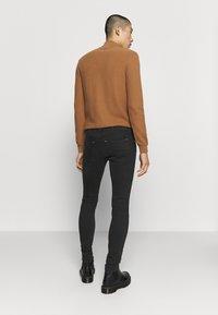 Replay - MAX TITANIUM - Slim fit jeans - black - 2