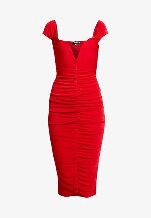 V PLUNGE BARDOT RUCHED MIDI DRESS - Vestido ligero - red
