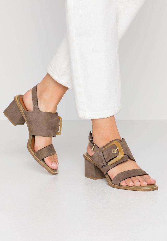 Sandals - mility