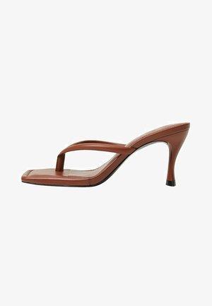 LULU - Korolliset sandaalit - orange brûlé