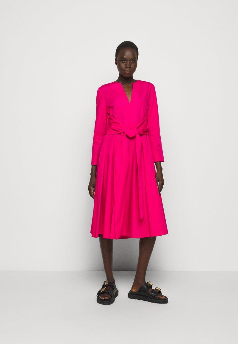 MAX&Co. - BANDOLO - Denní šaty - fuchsia