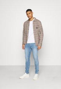 Burton Menswear London - WASH  - Jeans slim fit - blue - 1
