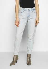 Calvin Klein Jeans - MOM  - Relaxed fit jeans - bleached blue - 0