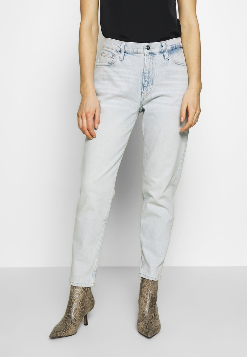 Calvin Klein Jeans - MOM  - Relaxed fit jeans - bleached blue