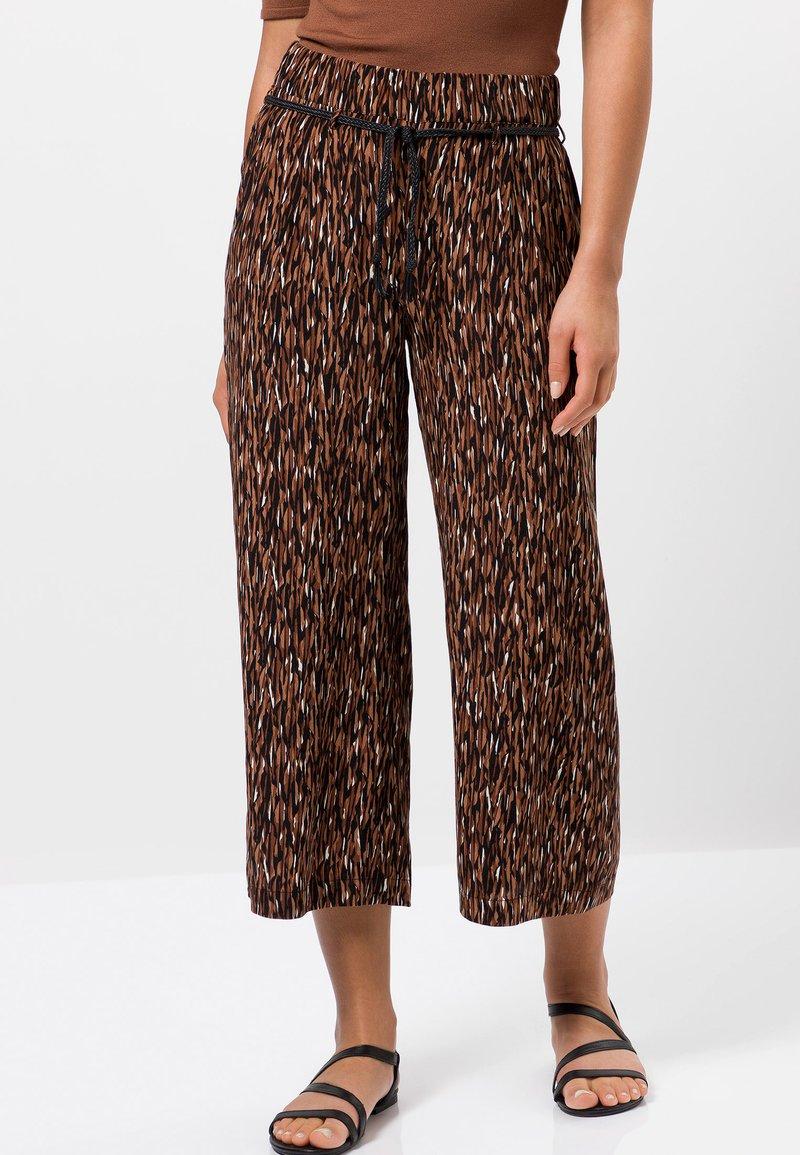 zero - Trousers - almond