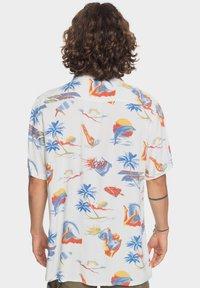 Quiksilver - Shirt - snow white tropical print pack - 2