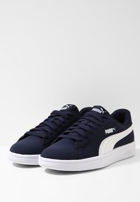 Puma - SMASH  - Baskets basses - peacoat/white - 2