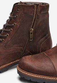Next - BROWN LEATHER ZIP BOOTS - Šněrovací kotníkové boty - brown - 4