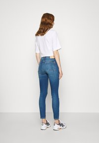 Calvin Klein Jeans - HIGH RISE SUPER SKINNY ANKLE - Jeans Skinny Fit - bright blue - 2