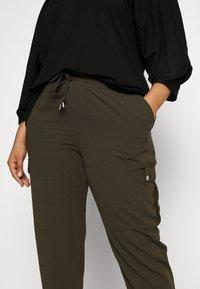 Dorothy Perkins Curve - UTILITY JOGGER - Cargo trousers - khaki - 3