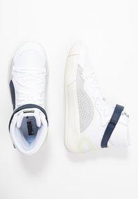 Puma - SKY MODERN - Basketballschuh - white/peacot - 1