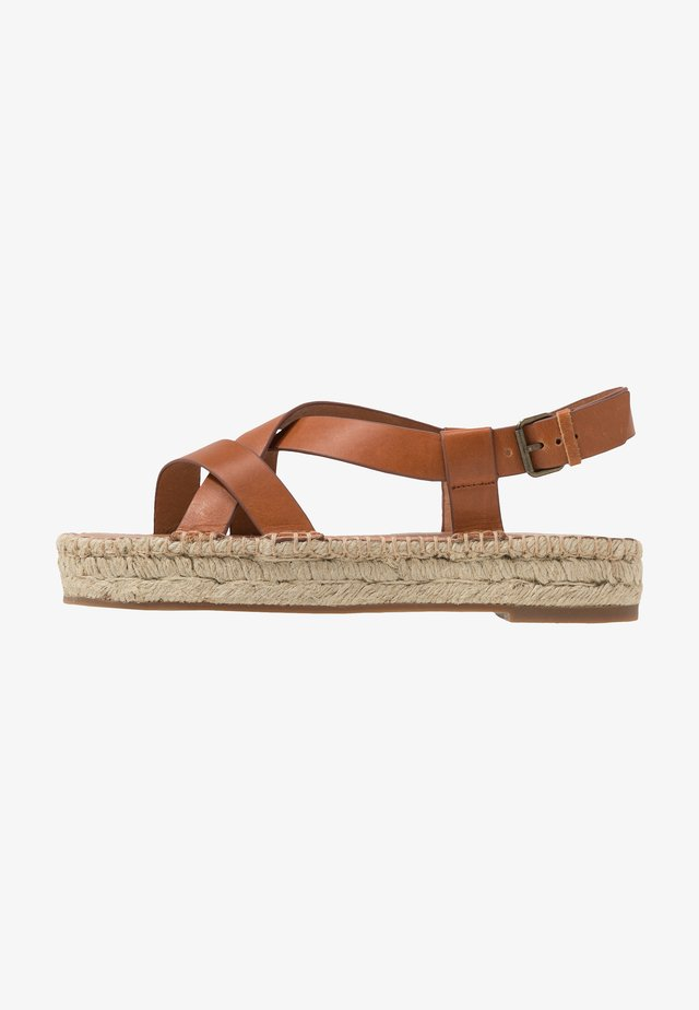 ALEH ASYMMETRIC - Espadrilles - burnished caramel
