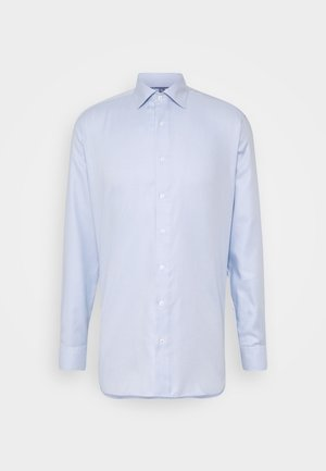 SLIM FIT CLASSIC KENT KRAGEN - Zakelijk overhemd - hellblau