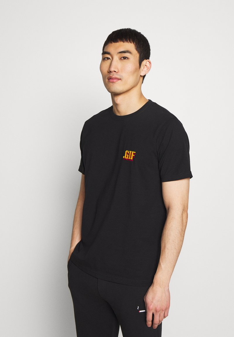 Bricktown - SMALL - Print T-shirt - black
