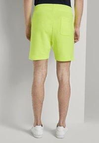 TOM TAILOR DENIM - Shorts - neon green - 2