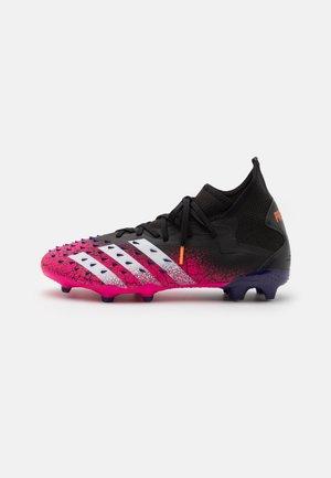 PREDATOR FREAK .2 FG - Fodboldstøvler m/ faste knobber - core black/footwear white/shock pink