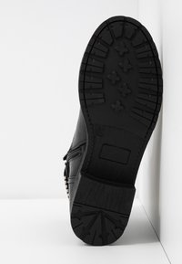 H.I.S - Kovbojské/motorkářské boty - black - 6