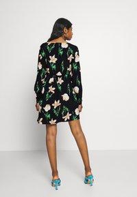 Vero Moda Petite - VMBETTY DRESS - Day dress - navy - 2