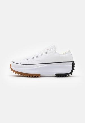 RUN STAR HIKE UNISEX - Sneakersy niskie - white/black