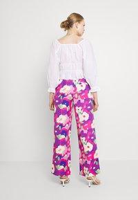 Monki - Bukse - lilac purple bright - 2