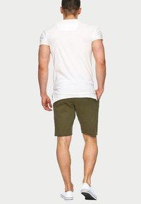 INDICODE JEANS - CARVER - Denim shorts - grren - 2