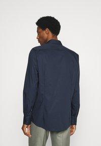 OLYMP Level Five - SUPER SLIM FIT - Kostymskjorta - marine - 2