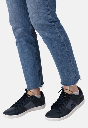 "COURTCLASSIC - Zapatillas -  ""navy blue/beige"""