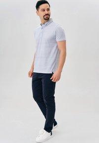 INDICODE JEANS - CHERRY - Pantalones chinos - navy - 1