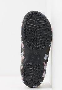 Crocs - FREESAIL - Slippers - black - 6