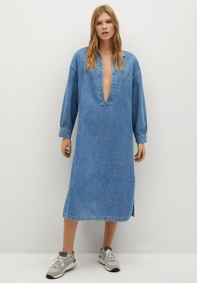 TUNIC-I - Denimové šaty - halvblå