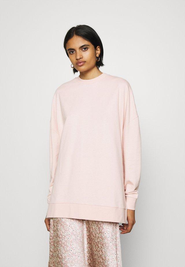 SLIT SIDED LONG OVERSIZED SWEATSHIRT - Bluza - pink