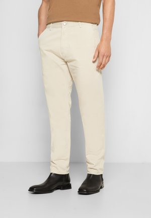 EARTH - Chinos - sand