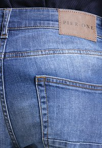 Pier One - Relaxed fit jeans - mid blue - 4