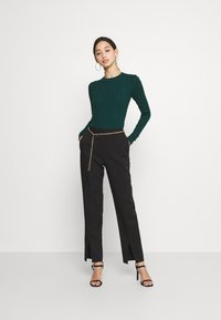 Missguided - BUTTON CUFF CREW NECK BODY - Pullover - forest green - 1