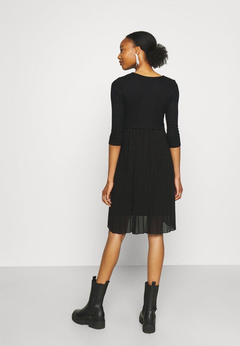 MAMALICIOUS - MLRAINA JUNE MIX KNEE DRESS - Jersey dress - black