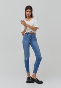 PULL&BEAR - SKINNY HIGH WAIST - Jeans Skinny Fit - blue - 1