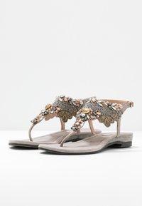 Lazamani - Sandály s odděleným palcem - porcini - 4