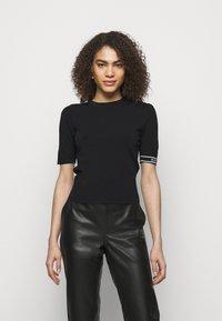 KARL LAGERFELD - PUFF LOGO - T-shirt imprimé - black - 0