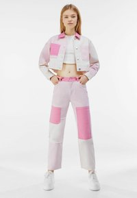 Bershka - Relaxed fit jeans - pink - 1