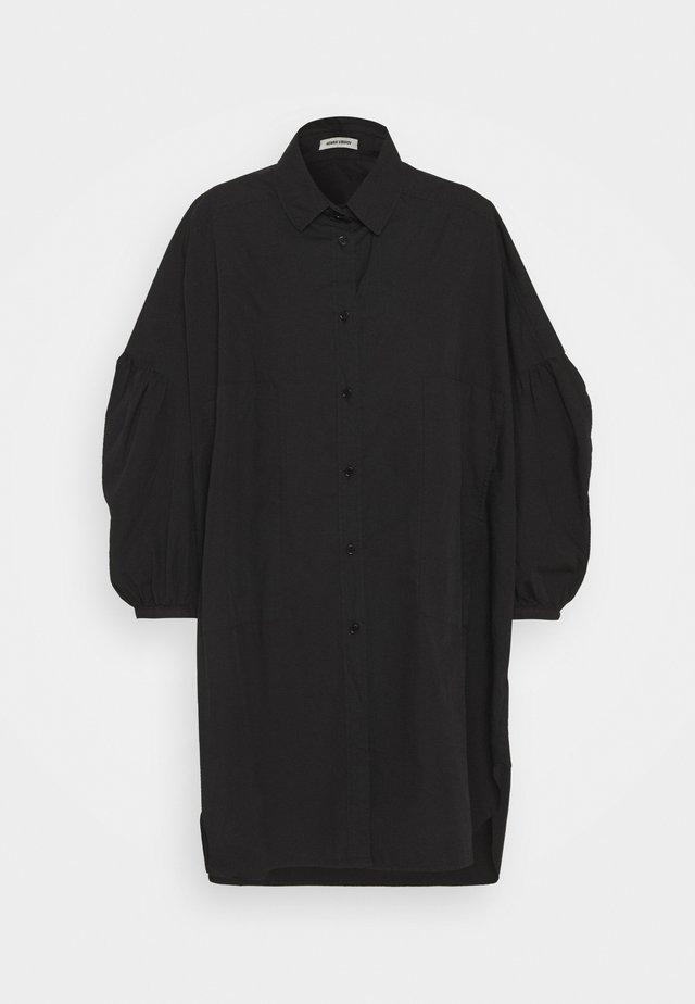 MOMENT DRESS - Robe chemise - black