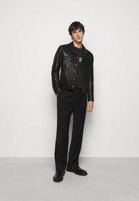 PS Paul Smith - Print T-shirt - black - 1